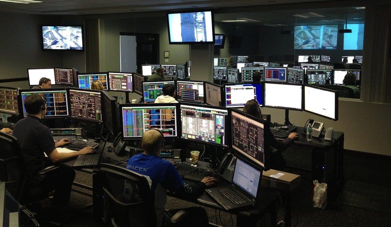 stanza di monitoraggio reputazione